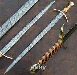 Beautiful Custom Hand Forge Damascus Steel With Rose Wood Handle Hunting Sword