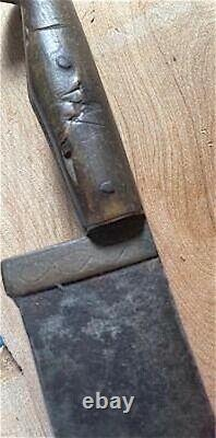 Ca. 1830 EXCEPTIONAL AMERICAN PIONEER KNIFE. BLADE W BRASS FERRULE AND HORN GRIP